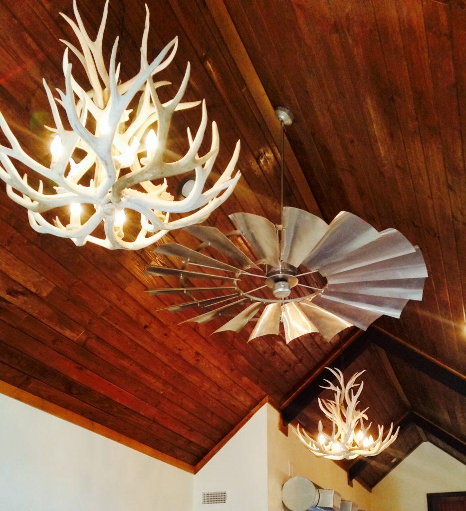 windmill_ceiling_fan_antler_chandeliers